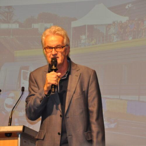 Le présentateur Peter Wyss © Citino Motorsport Suisse | Auto Sport Suisse