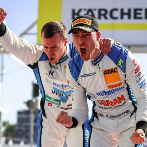 Patric Niederhauser (à gauche) et Kelvin van der Linde © free Motorsport Suisse | Auto Sport Suisse